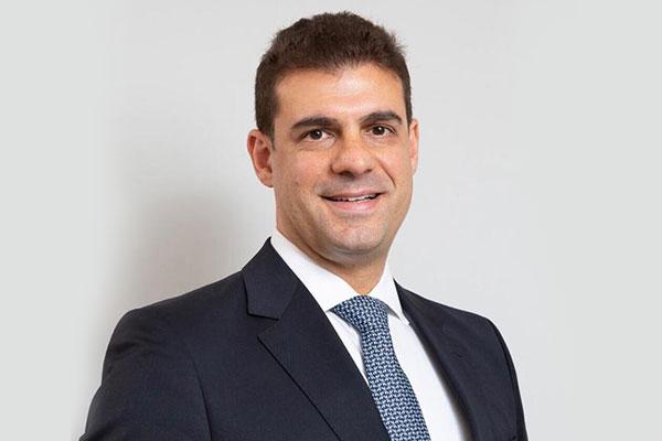 Dr. Mauricio Barbosa
